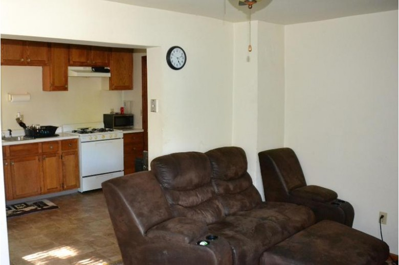 1746 Chatham St, Racine, WI by Re/Max Newport Elite $185,000