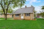 4225 N 95th St, Wauwatosa, WI by Benchmark Real Estate, Llc $290,000