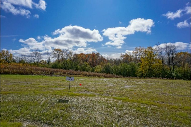 LT4 Moraine Dr Hartland, WI 53029-0000 by Lake Country Flat Fee $170,000
