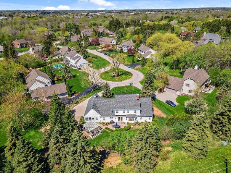 4305 W River Willows Ct Mequon, WI 53092 by Realty Executives Integrity~cedarburg $599,900