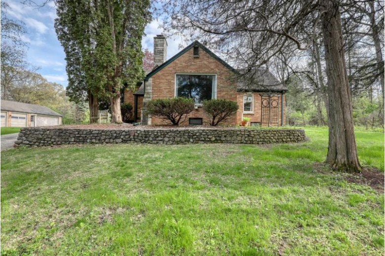 N57W30529 Stevens Rd Hartland, WI 53029 by The Real Estate Company Lake & Country $494,900