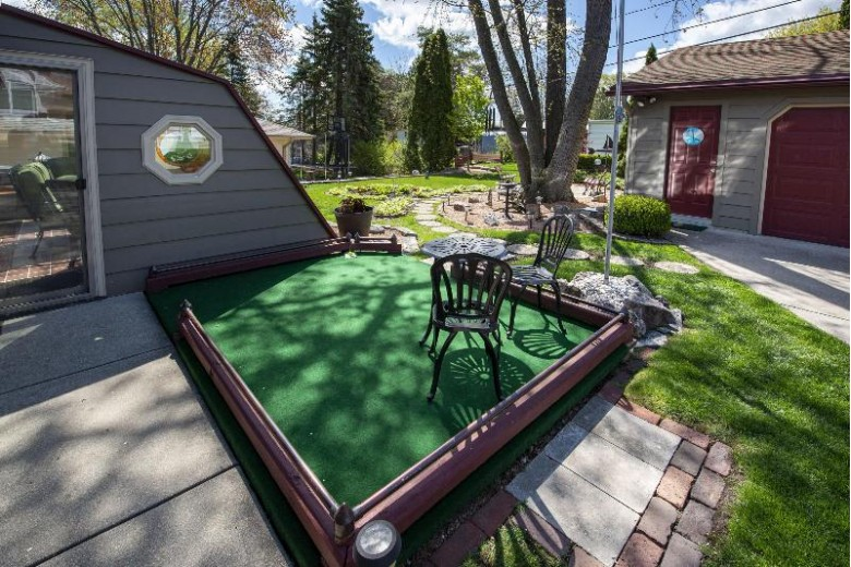 1709 Poplar Ave, South Milwaukee, WI by First Weber Real Estate $275,000