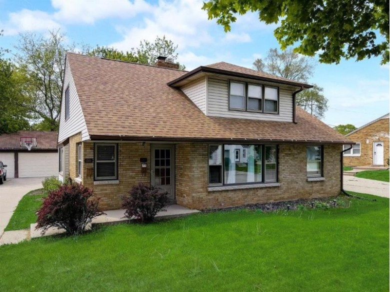 1343 S 95th St, West Allis, WI by Lannon Stone Realty Llc $249,000