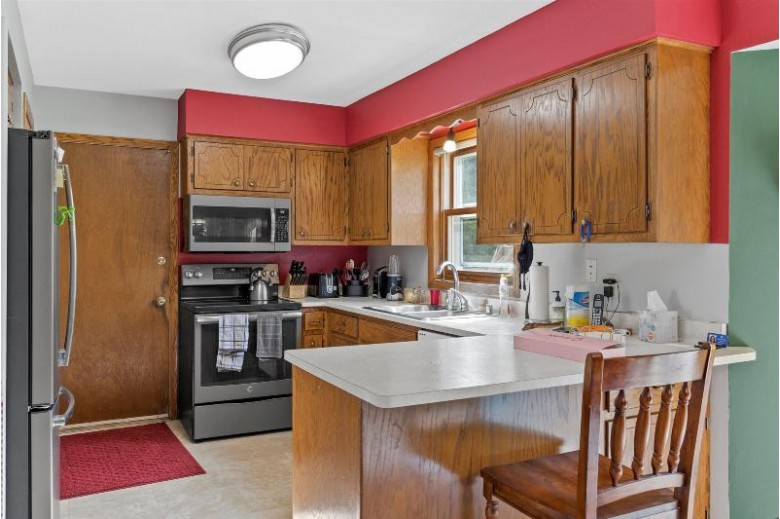 W234N6877 Salem Dr Sussex, WI 53089 by Bluebell Realty $343,500