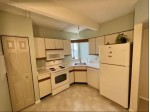 270 E Highland Ave 914 Milwaukee, WI 53202 by Homestead Realty, Inc~milw $164,900