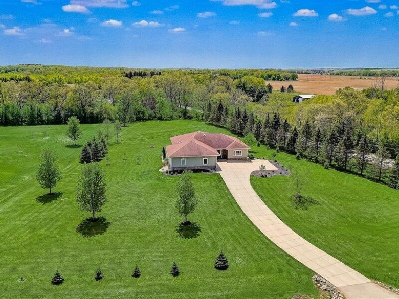 S19W37721 Pasteur Ct Dousman, WI 53118-8726 by Century 21 Affiliated - Delafield $535,000
