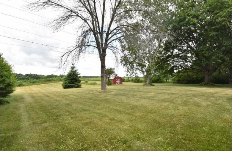 11737 N Ridgeway Ave, Mequon, WI by First Weber Real Estate $319,900