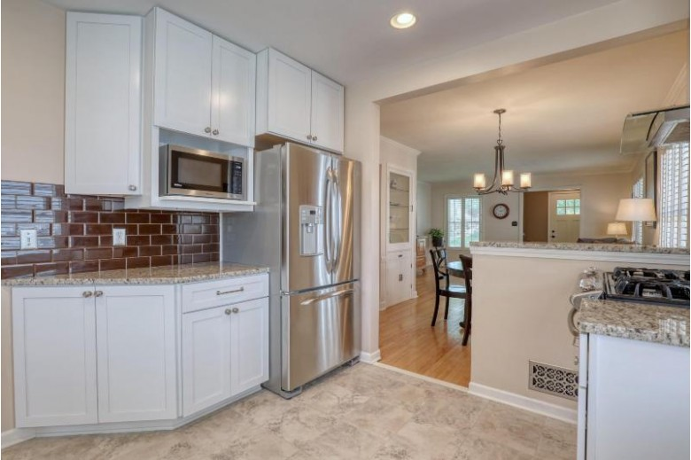 919 E Hampton Rd Whitefish Bay, WI 53217-5954 by First Weber Real Estate $399,900