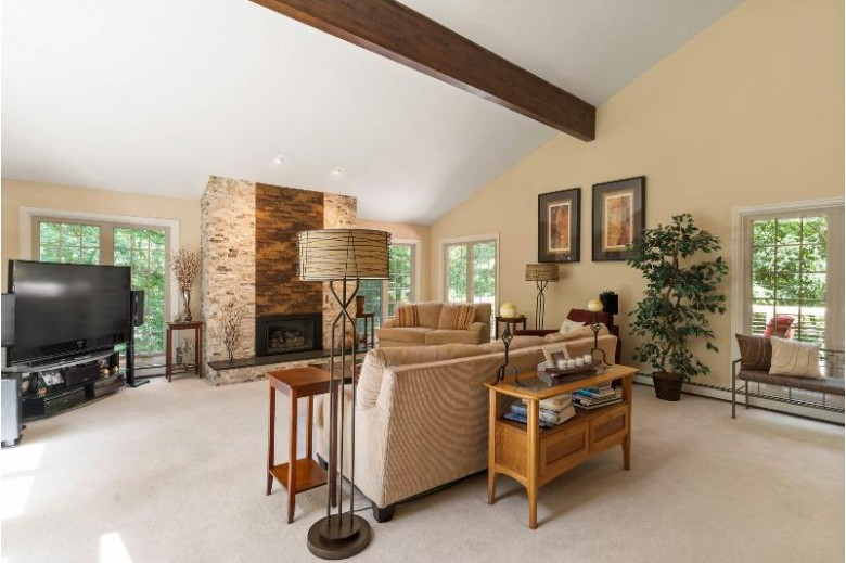 N66W30637 Red Fox Run Hartland, WI 53029-9187 by Realty Executives - Integrity $450,000