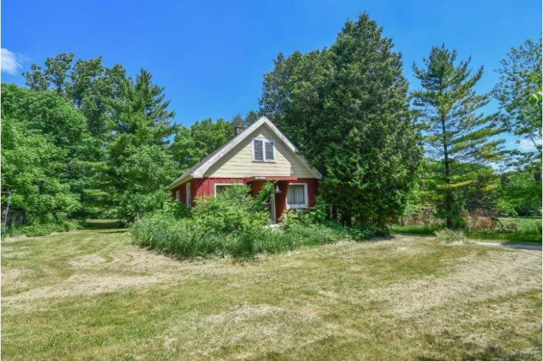 S74W20850 Field Dr, Muskego, WI by Shorewest Realtors, Inc. $275,000