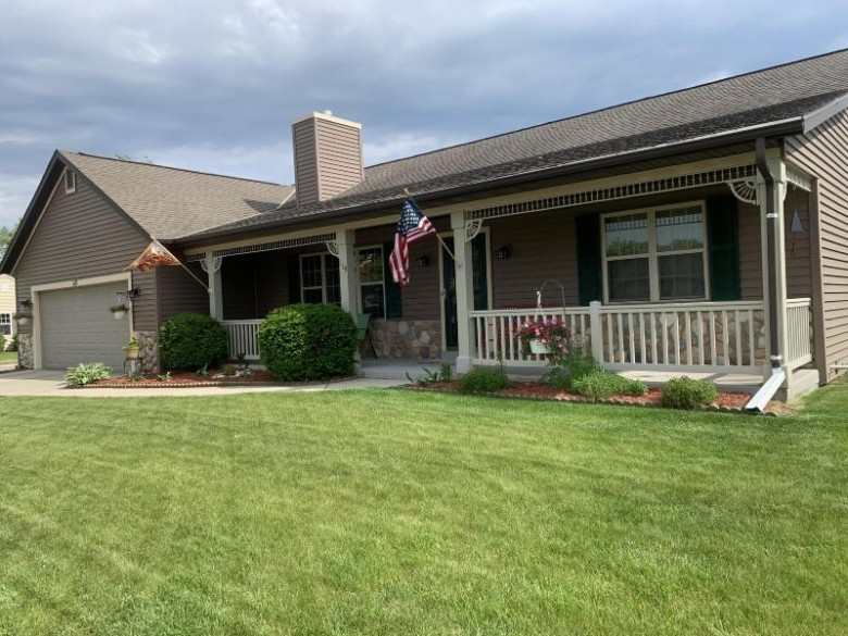 115 Cleveland Ave, Hartford, WI by Lake Country Flat Fee $315,000