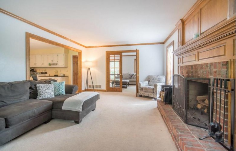 2615 Wyngate Way, Waukesha, WI by Exsell Real Estate Experts Llc $429,900