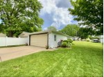 1005 Evergreen Dr Waukesha, WI 53188-2353 by Lake Country Flat Fee $257,700