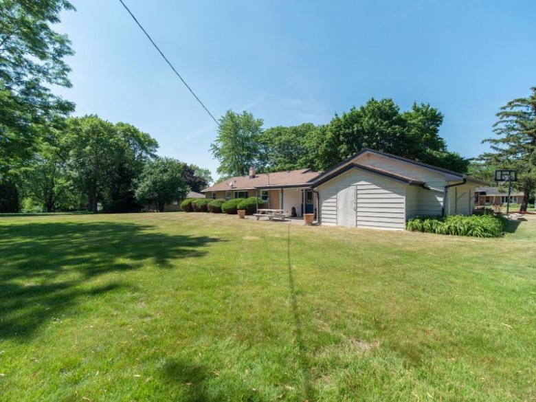 15165 Franklin Dr, Brookfield, WI by Berkshire Hathaway Homeservices Metro Realty $395,500
