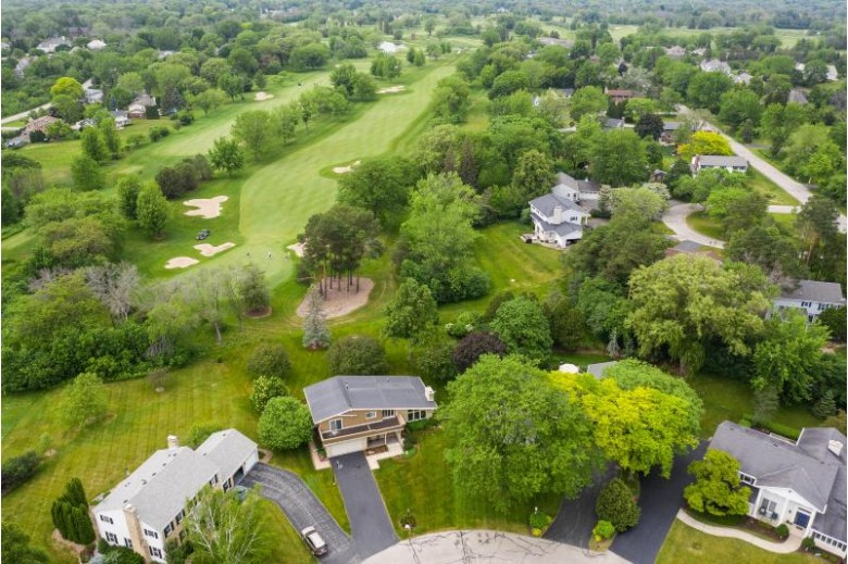 10417 N Greenside Ct Mequon, WI 53092-5109 by Keller Williams Realty-Milwaukee North Shore $525,000