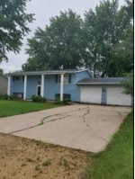 1009 N Fairway Dr, Sparta, WI by Mcclain Realty $155,000