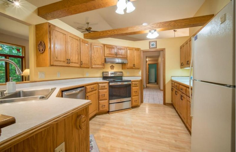 1062 Heather Ln Hartford, WI 53027-9045 by Exsell Real Estate Experts Llc $419,900
