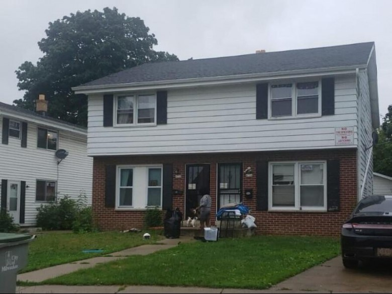 4706 N 52nd St 4708 Milwaukee, WI 53218-5005 by Root River Realty $184,900