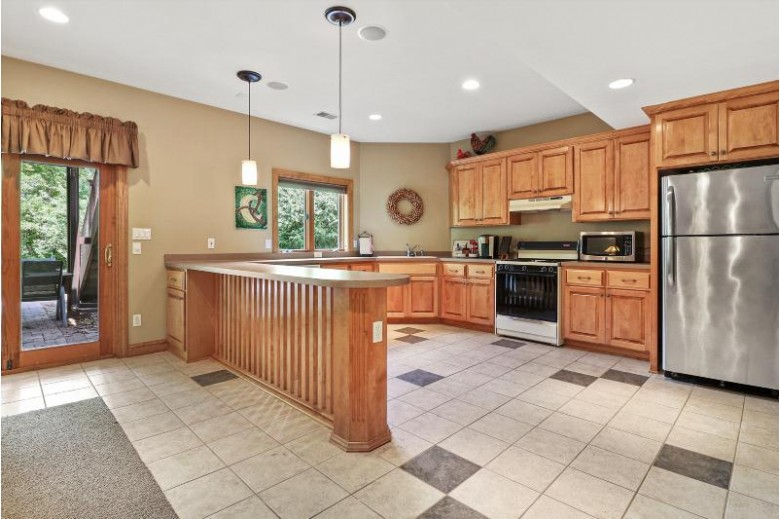 738 River Reserve Dr Hartland, WI 53029-2906 by First Weber Real Estate $729,900