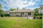 8029 S Meadowcreek Ct Franklin, WI 53132-8350 by Exsell Real Estate Experts Llc $449,900
