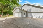 S14W31890 High Meadow Ln Delafield, WI 53018-3551 by Realty Executives - Integrity $437,500