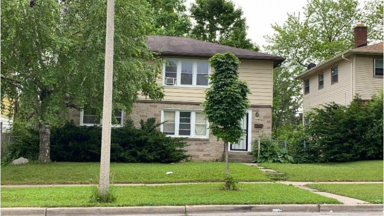7909 W Villard Ave 7911 Milwaukee, WI 53218-3516 by Root River Realty $173,900