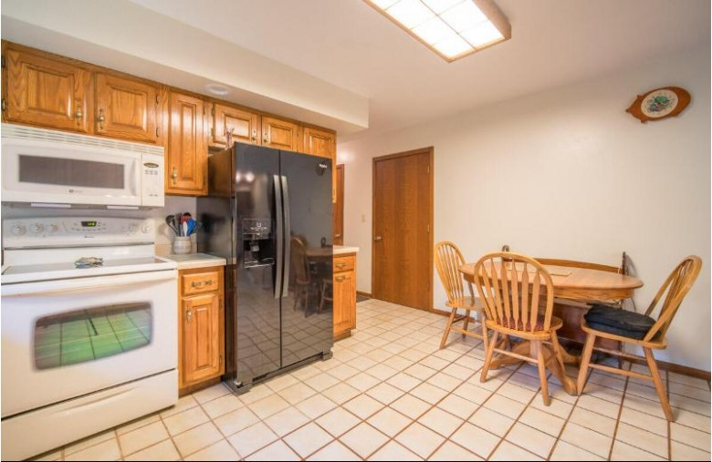 W3972 Empire Ln, Fond Du Lac, WI by Exsell Real Estate Experts Llc $279,900