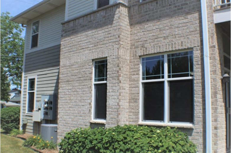 9175 W Cold Spring Rd Greenfield, WI 53228-2861 by Milwaukee Executive Realty, Llc $249,900