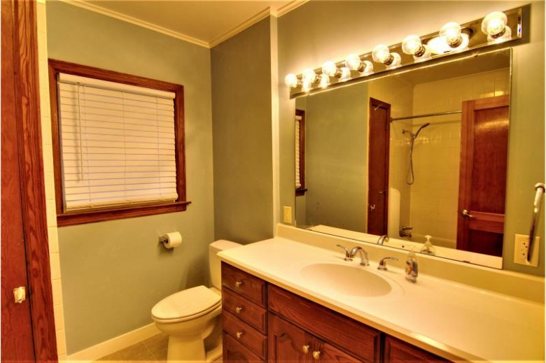 21 South St Fort Atkinson, WI 53538-2251 by Re/Max Realty Center $179,900