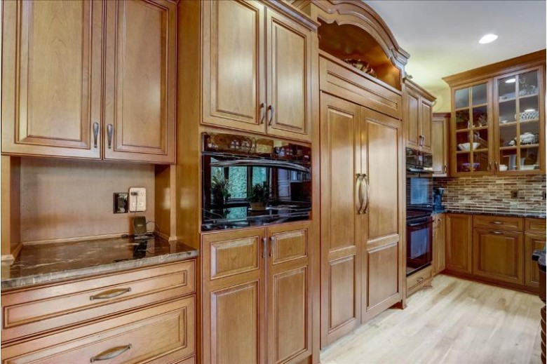 14285 Chesterwood Dr Brookfield, WI 53005-2384 by First Weber Real Estate $899,000
