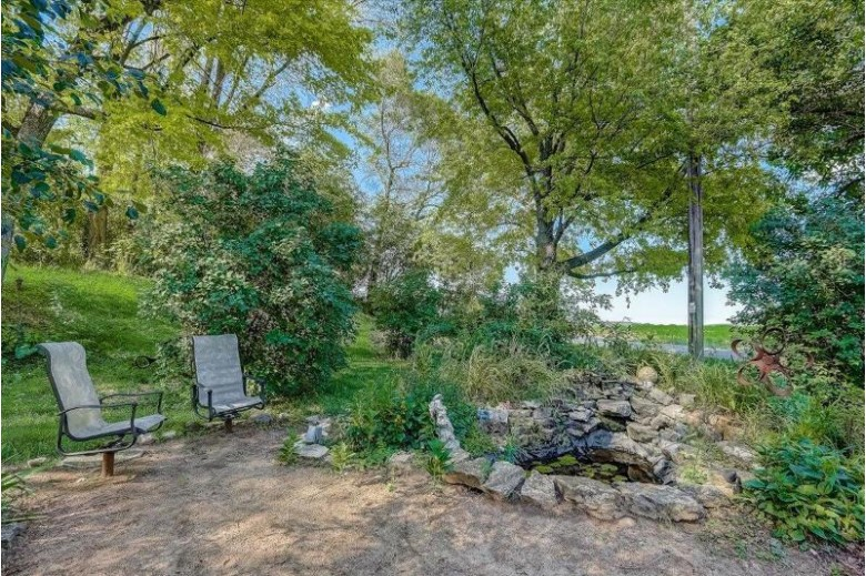N5163 Harvey Rd Jefferson, WI 53549 by Realty Executives - Integrity $297,900