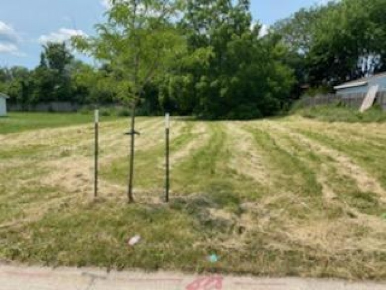 6505 N 106th St Milwaukee, WI 53224 by First Weber Real Estate $20,500