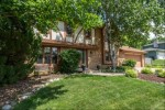 863 Crescent Ln Hartland, WI 53029 by Keller Williams Realty-Milwaukee North Shore $359,000