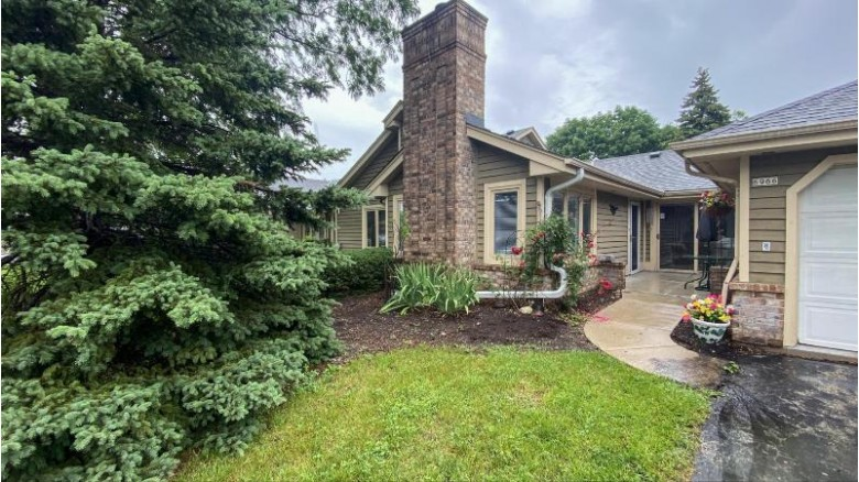 6966 N Lincolnshire Cir, Milwaukee, WI by Realty Executives Integrity~northshore $134,900