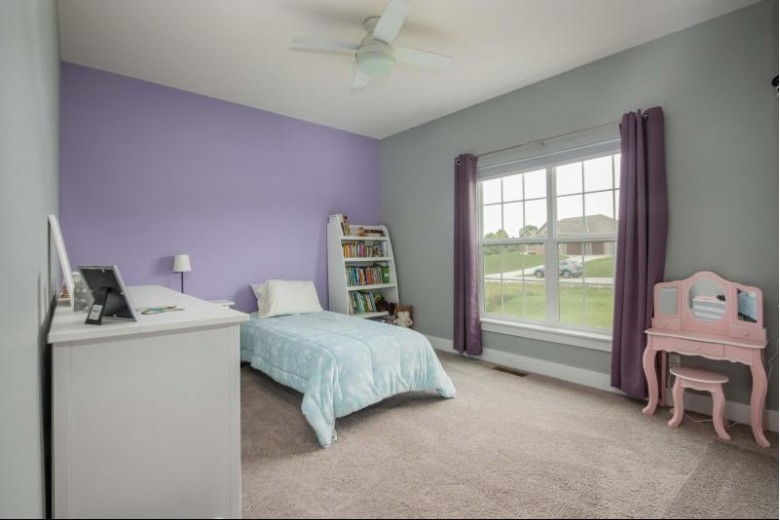 W256N9466 Sennott Ct Colgate, WI 53017 by First Weber Real Estate $575,000