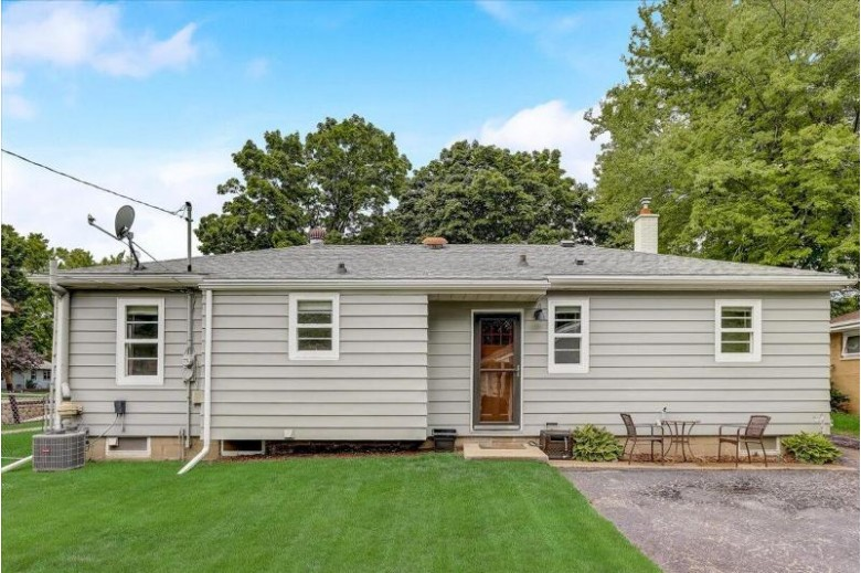 731 N Moreland Blvd Waukesha, WI 53188-2913 by Re/Max Realty 100 $239,900
