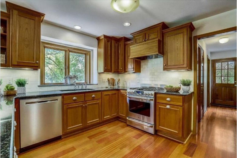 2645 W Norway Dr, Mequon, WI by Re/Max Realty 100 $619,000