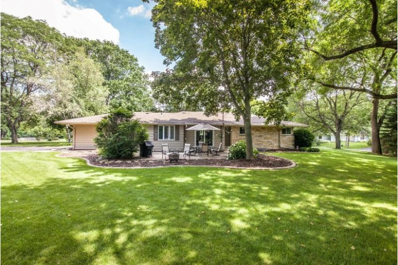 18415 Countryside Ct Brookfield, WI 53045-5436 by First Weber Real Estate $459,900