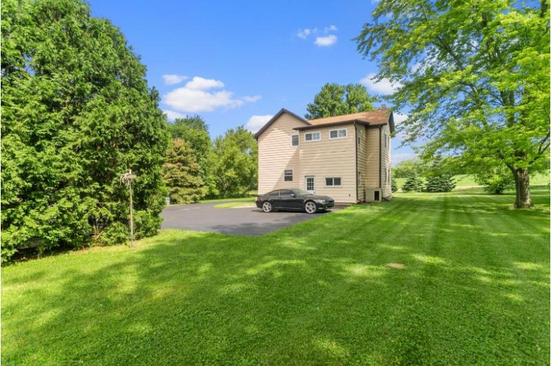N55W26073 Richmond Rd, Lisbon, WI by Realty Executives Integrity~brookfield $299,900