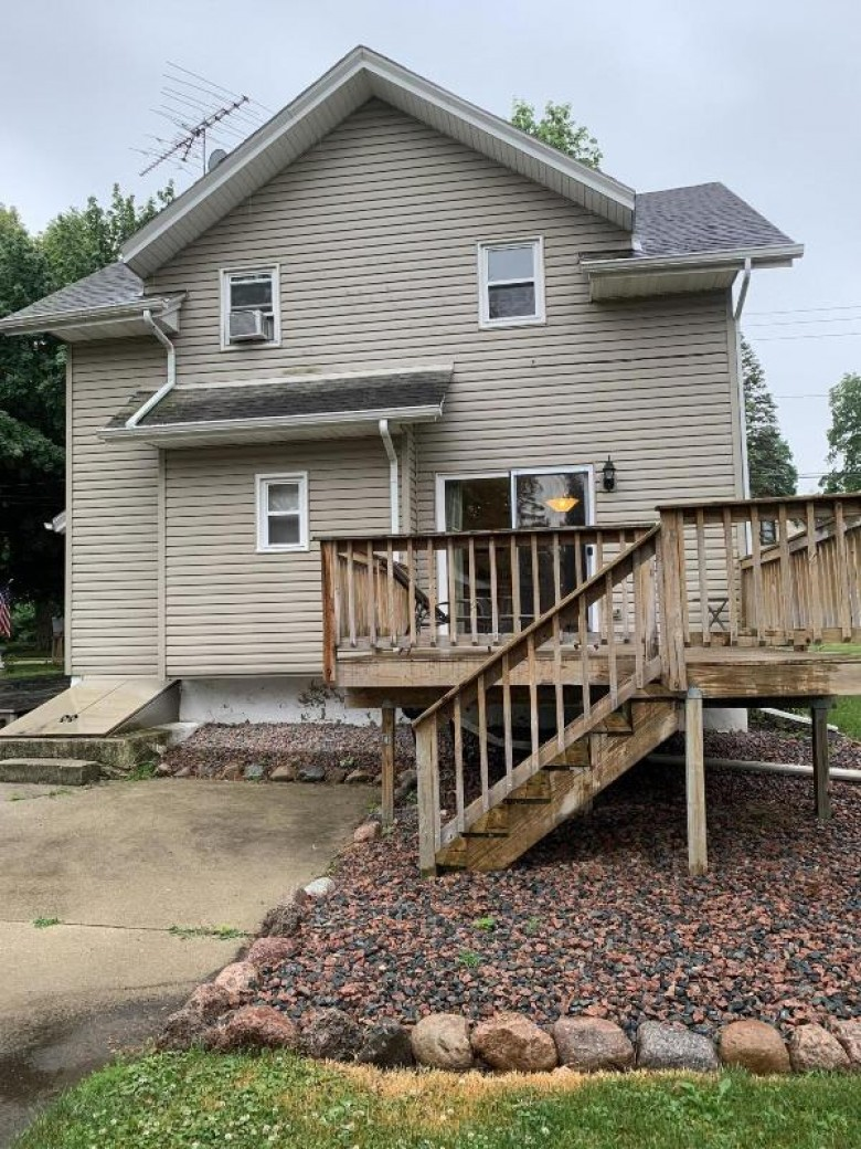 262 Root Ave Hartford, WI 53027-1737 by Lake Country Flat Fee $209,900
