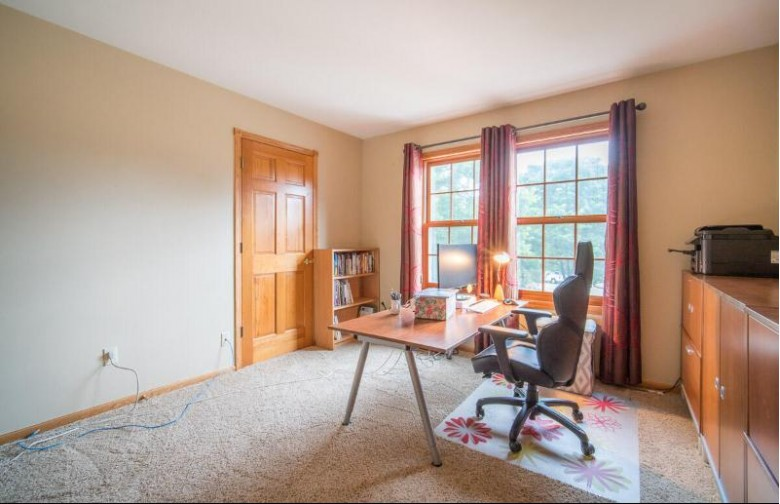 500 Rustic Ln Hartland, WI 53029-2283 by Exsell Real Estate Experts Llc $499,900