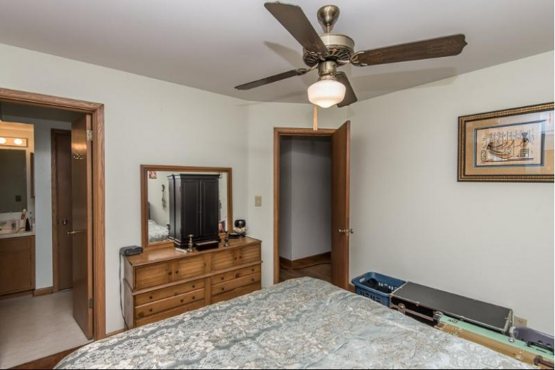 5631 S 36th Ct Milwaukee, WI 53221-4078 by Shorewest Realtors, Inc. $189,900