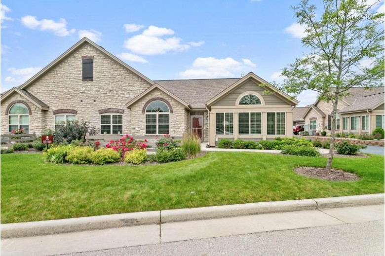 W250N4975 William Dr Pewaukee, WI 53072-1362 by Realty Executives Integrity~brookfield $464,900