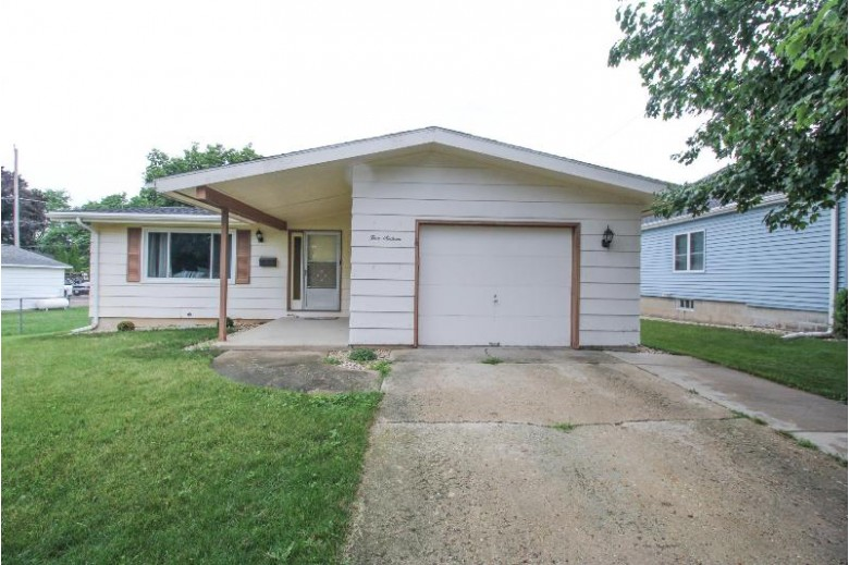 516 Orchard St, Burlington, WI by Redefined Realty Advisors Llc $239,000