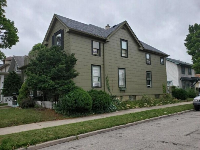 1100 Blaine Ave Racine, WI 53405-2905 by First Weber Real Estate $164,000