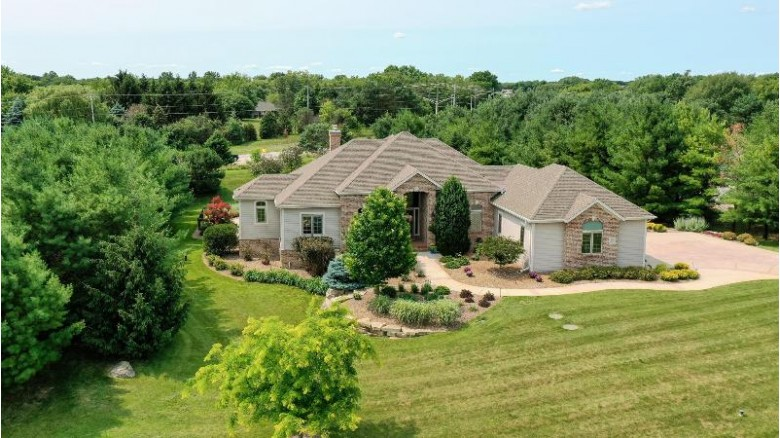 W316S3175 Harvest View Dr Waukesha, WI 53189-5318 by Realty Executives Integrity~brookfield $775,000