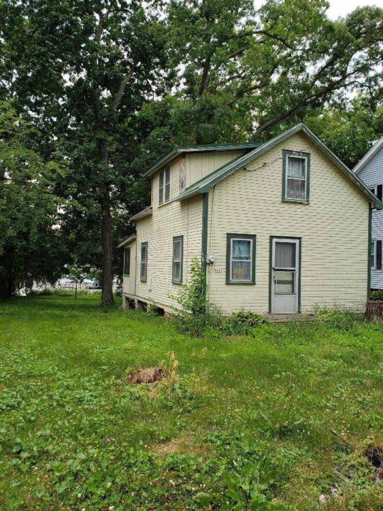 4600 Empire Ln Waterford, WI 53185-3447 by 1st Choice Properties $225,000