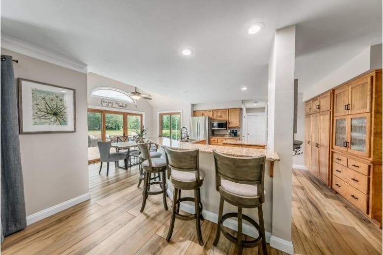 721 Woodland Park Dr Delafield, WI 53018-1033 by Re/Max Realty 100 $609,900