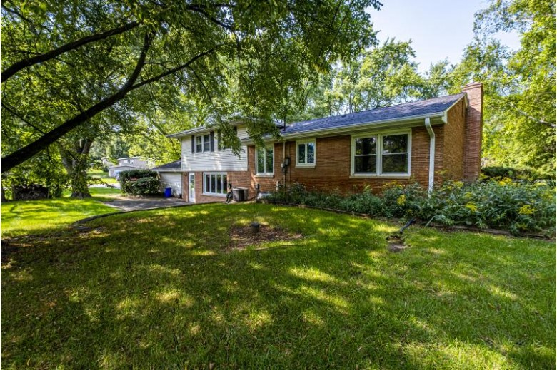 17735 Country Ln, Brookfield, WI by First Weber Real Estate $324,500