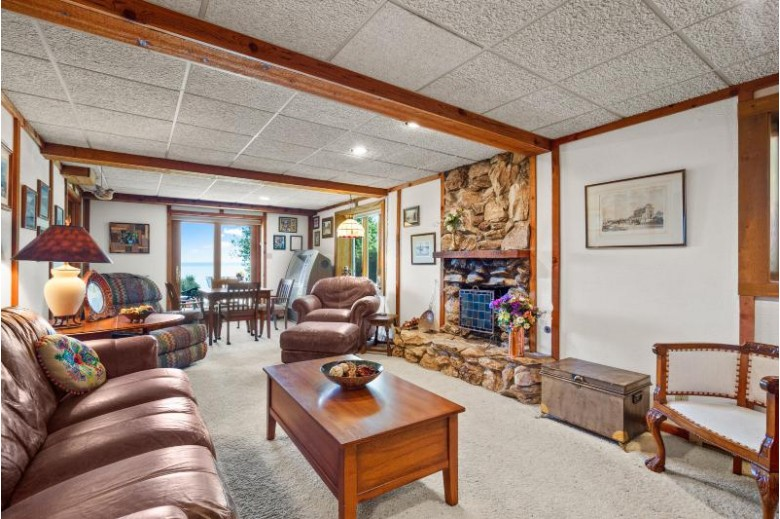 700 Waters Edge Rd 9 Racine, WI 53402-1557 by Becker Stong Real Estate Group, Inc. $399,000
